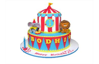 جشن تولد در سیرک: ایده هایی جذاب برای کیک تولد بچگانه