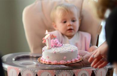 کیک تولد یکسالگی: جایگزینهایی سالم و مقوی