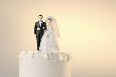 کیک عقد و عروسی: عاشقانه ای به نام تاپر