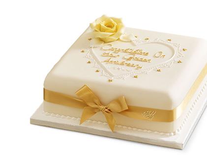 خوشمزه ترین کیک ها در اصفهان - کیک خامه ای هور | کیک آف
