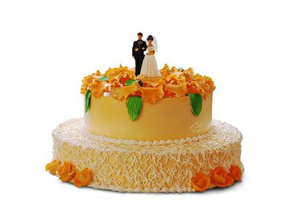 سفارش کیک خامه ای موز و گردو - کیک نامزدی همراز | کیک آف