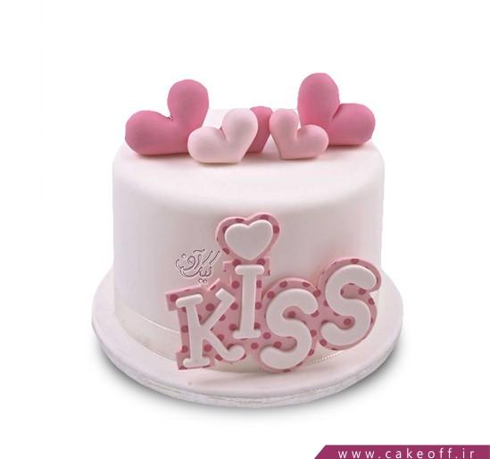 کیک تولد بوسه های صورتی