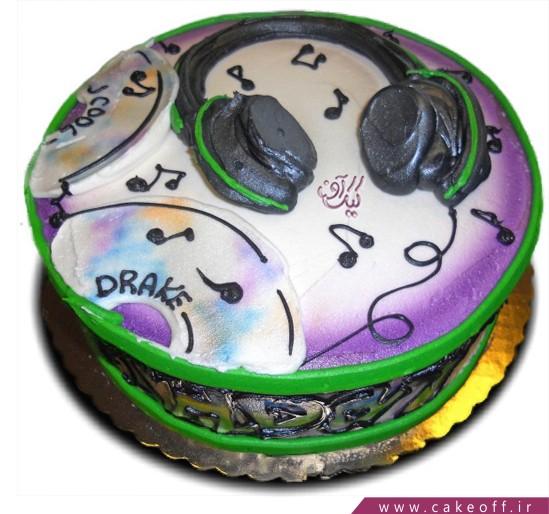 کیک تولد بیتس