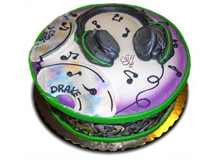 خرید کیک آنلاین - کیک تولد بیتس | کیک آف
