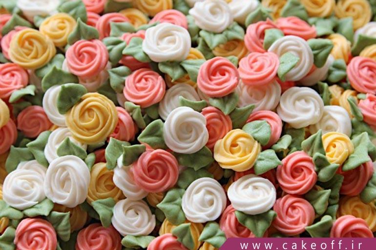 گل روی کیک تولد