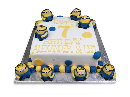 سفارش کیک مینیون - کیک مجمع مینیون ها | کیک آف
