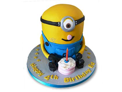 کیک مینیون یکساله | کیک آف