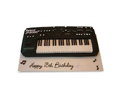 سفارش کیک اینترنتی - کیک تولد پیانوی خوش آوا | کیک آف