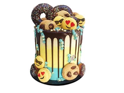 سفارش کیک اینترنتی در اصفهان - کیک تولد اموجی و دونات | کیک آف