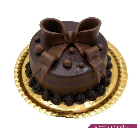 کیک شکلاتی پاپیون به سر