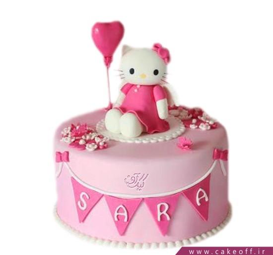 کیک دخترانه کیتی در جشن تولد