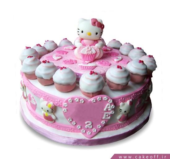کیک تولد کیتی و کاپ کیک ها