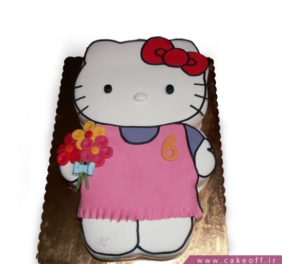 کیک کیتی و دسته گل