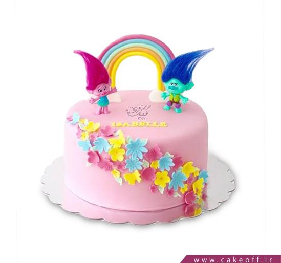 کیک وروجک ها بر فراز رنگین کمان